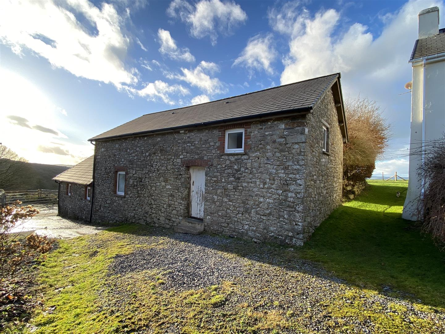 THE HOLIDAY COTTAGE
